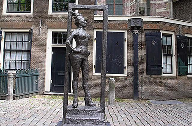 Une statue en hommage aux prostituées du monde entier