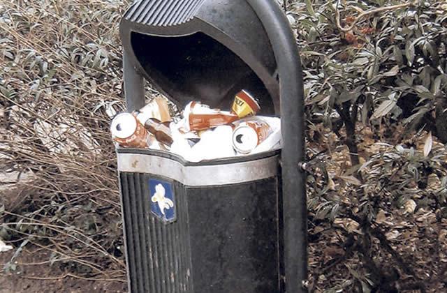 Le contenu des poubelles des stars au musée