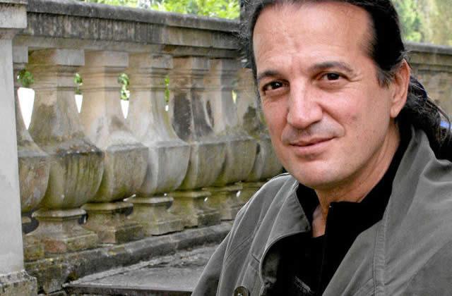 Francis Lalanne, 49 ans, poète… et député ?