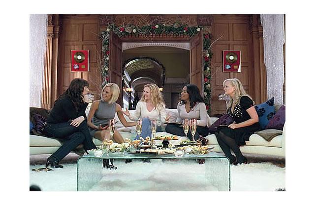 [Nouvelle vidéo] Les Spice Girls fêtent Noël ensemble… pour l'enseigne Tesco