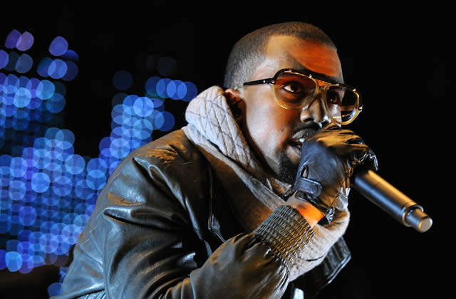 Kanye West en larmes durant son concert à Paris