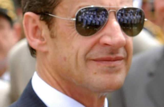 Sarkozy + tecktonik = sarkoznyk (!)