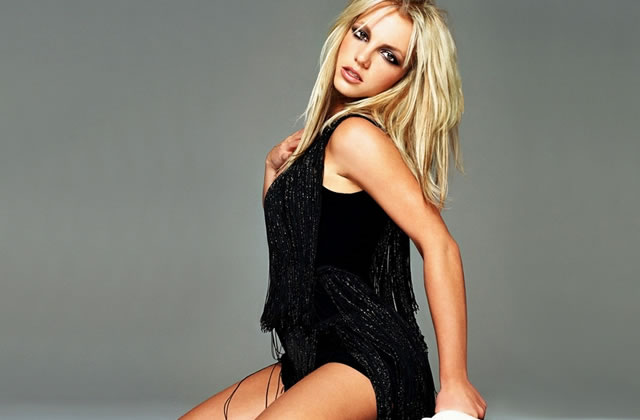 Britney Spears menace Paris Hilton