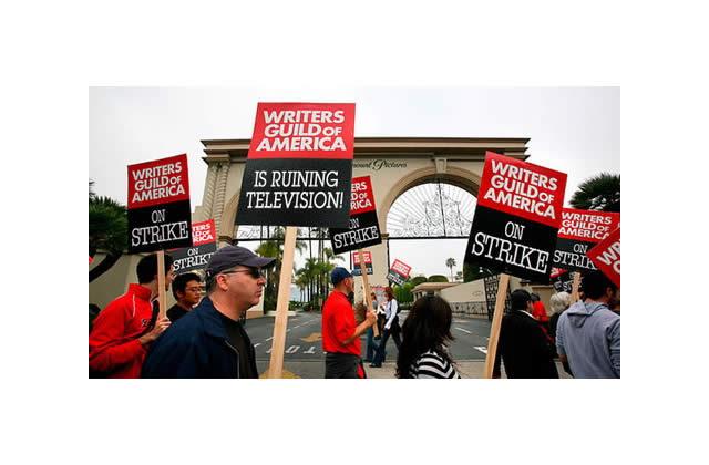 Fin de la grève des scénaristes aux USA ! Youpi !