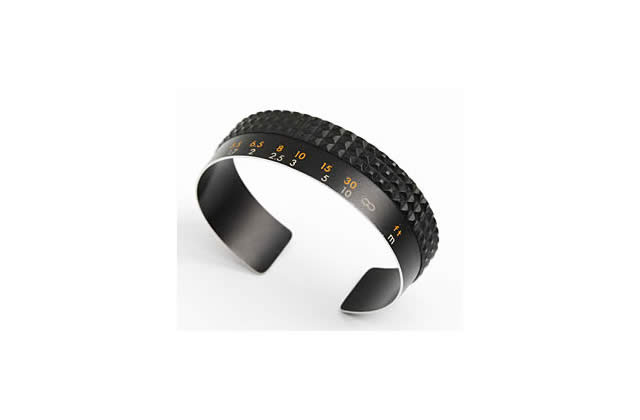 Le bracelet reflex pour les fondues de photos