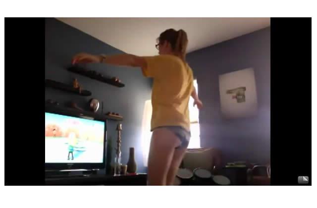 Hula hoop avec classe sur Wii Fit comme Lauren
