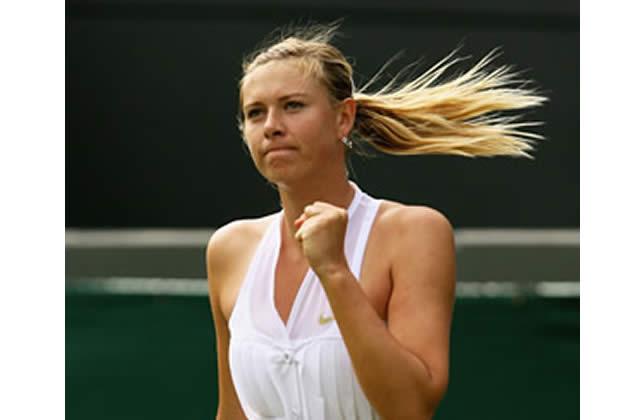 Maria Sharapova en smoking à Wimbledon