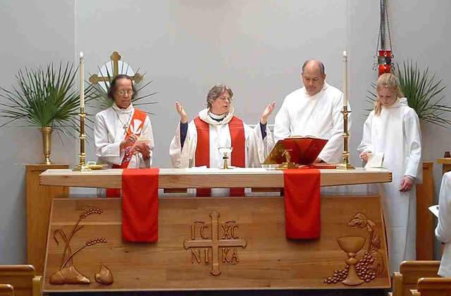 L'Eglise anglicane autorise les femmes prêtres