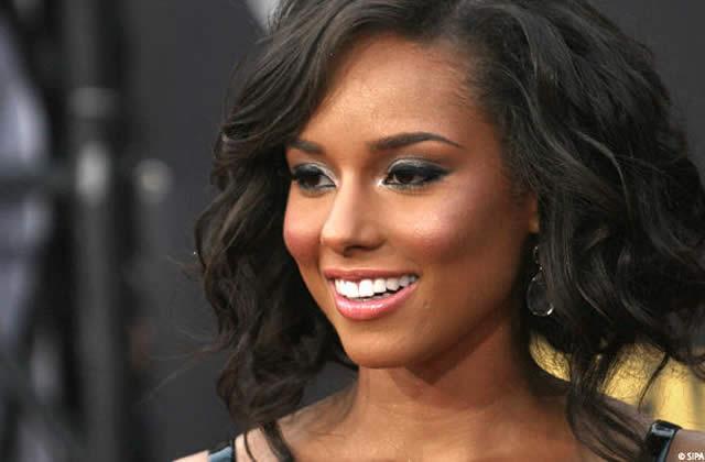 Alicia Keys et Jack White pour James Bond