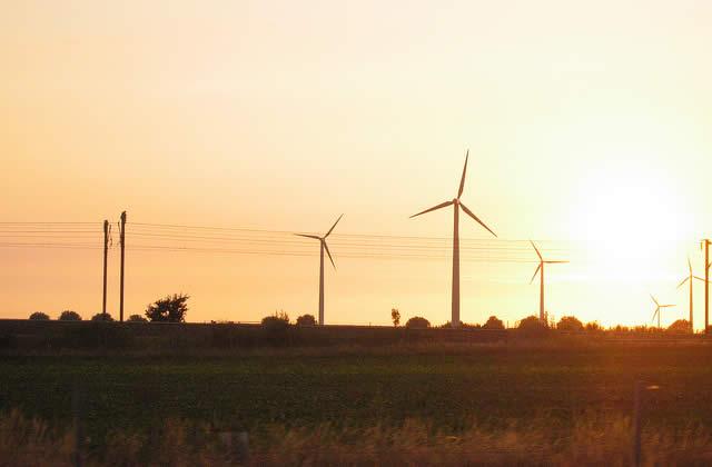 Vent de contestation contre les éoliennes