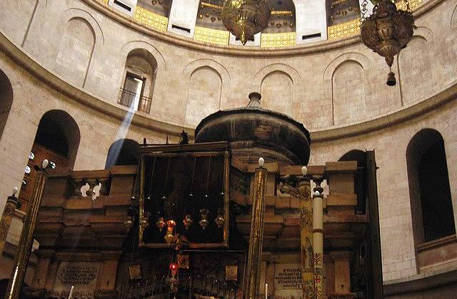 Pugilat pas très chrétien au St-Sépulcre