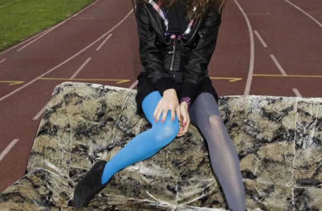 Collants colorés : 2 jambes, 2 couleurs ?