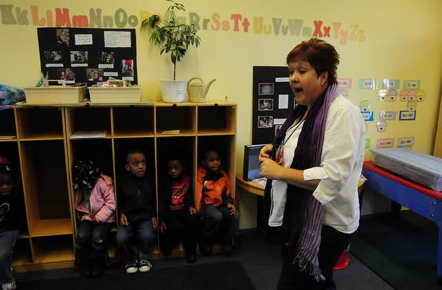 Profs des écoles : 3 000 postes de moins aux concours 2009