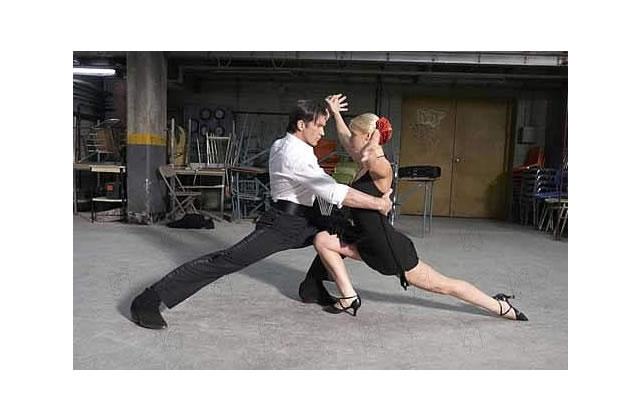 Le cours de salsa… en couple