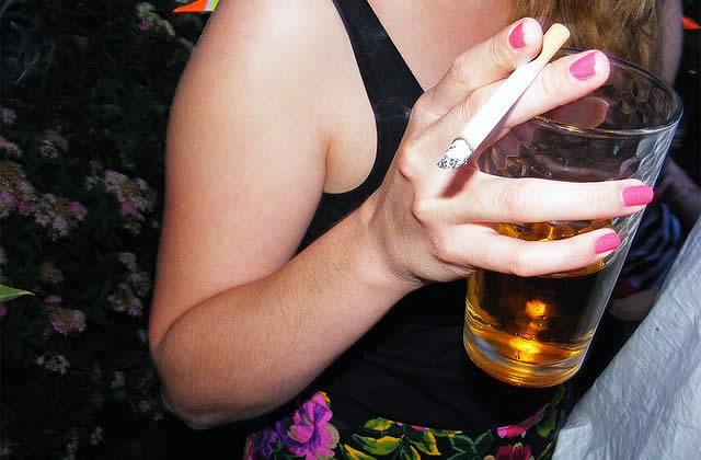 La vente d'alcool ET de tabac interdite aux mineurs
