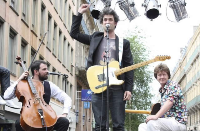 Manu Larrouy en concerts sauvages, Grrr