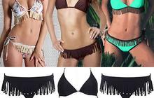 Bikini à franges : une indienne à la plage !