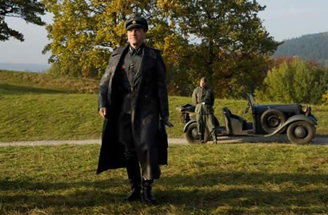 Trench coat : son histoire (fictive) en 6 étapes