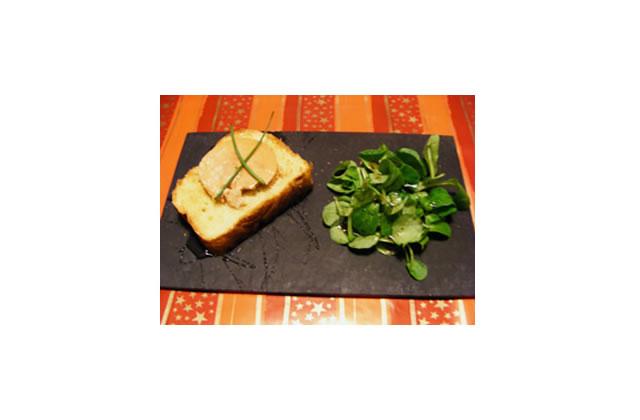Brioche miel & foie gras, mâche vinaigrette noisette-balsamique