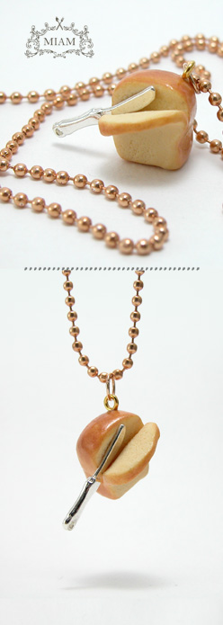 Bijoux MIAM : rencontre avec sa créatrice pres collier brioche