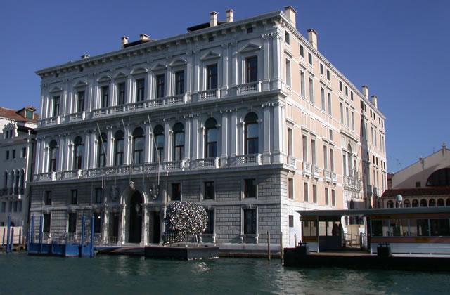 Le Palazzo Grassi de Venise : un lieu d'expo qui en impose