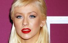 Christina Aguilera en fait-elle trop ?
