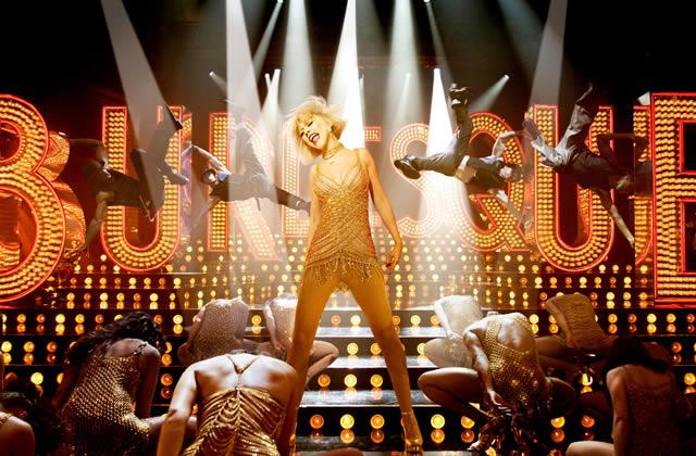 Burlesque : la rencontre entre le film Glitter et le film Tournée ?