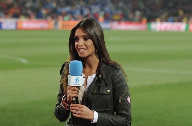 À l'antenne, Iker Casillas embrasse Sara Carbonero