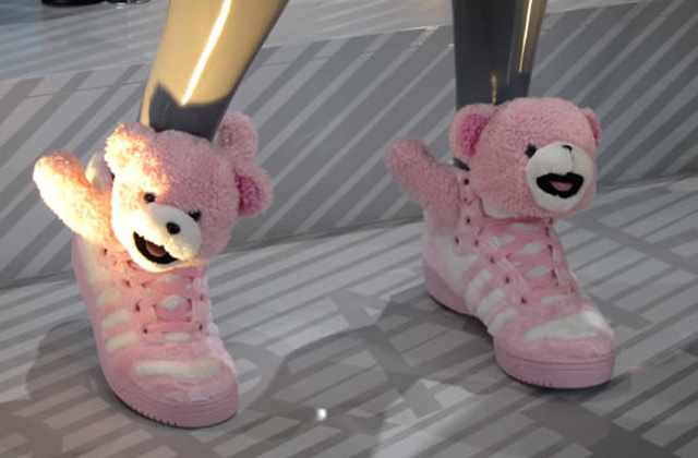 Les sneakers Teddy Bear de Jeremy Scott
