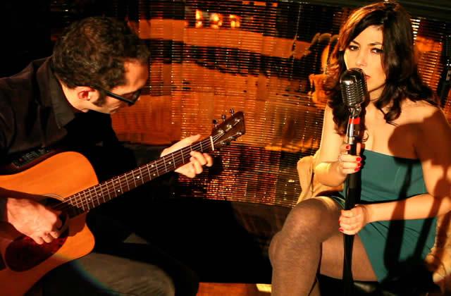 Daphné chante L'Un Dans L'Autre, ambiance feutrée