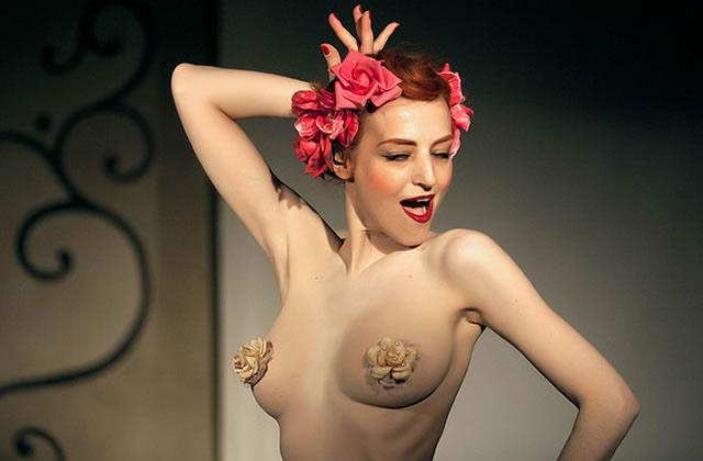 Strip-tease ou burlesque ?