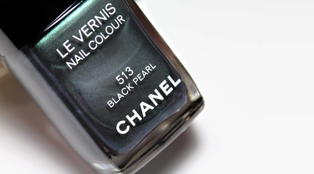 Remix Beauté : les vernis couture Dior & Chanel black pearl chanel