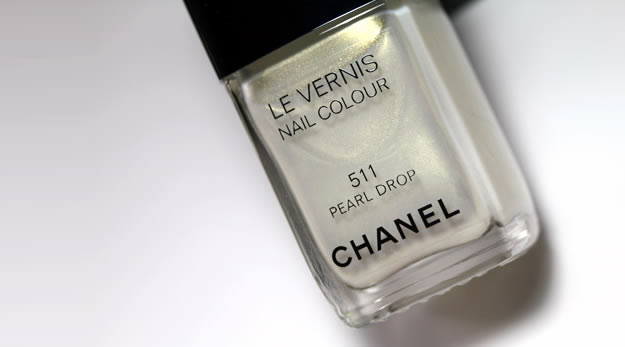 Remix Beauté : les vernis couture Dior & Chanel pearl drop chanel