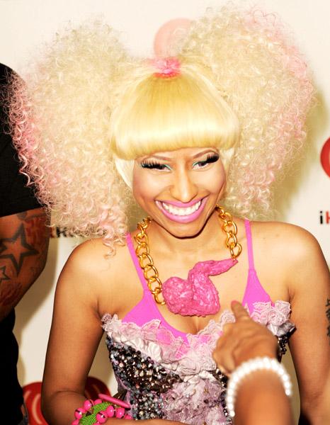 126321925madmoiZelle926201143859PM Nicki Minaj aime les bijoux alimentaires