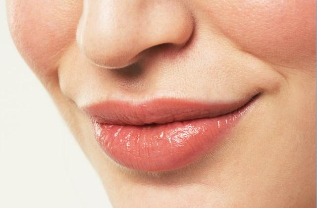 Duvet sur le visage : comment s'en débarrasser ?