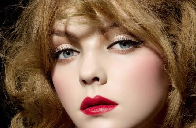 Débat : Pour ou Contre le rouge à lèvres rouge ?