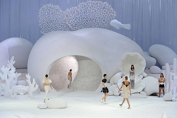 Le défilé Chanel sous locéan defile chanel 2012