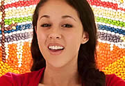 Kina Grannis, In Your Arms : un clip à 280 000 bonbons