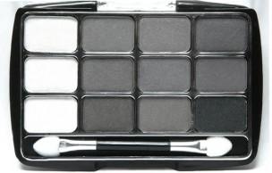Lien permanent vers Comment porter le maquillage gris ?