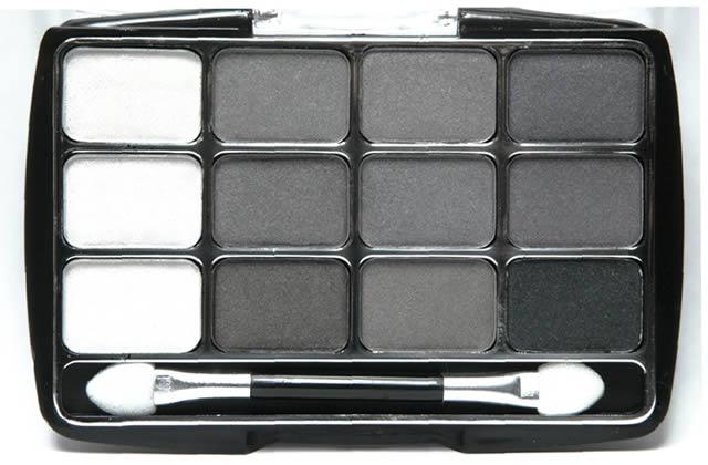 Comment porter le maquillage gris ?