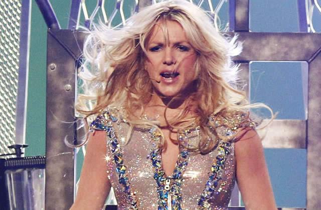 Un fan fabrique un (faux) live de Britney Spears