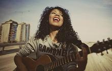 Flavia Coelho, la musique du soleeeeil