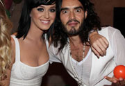 Lien permanent vers Katy Perry et Russell Brand divorcent