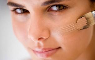 Lien permanent vers Comment maquiller une peau acnéique ?