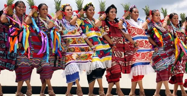 mexique guelaguetza Tendance Mexicaine : Zorro, sombreros et maracas