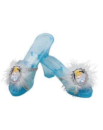 18229 Christian Louboutin va reproduire les chaussures de Cendrillon