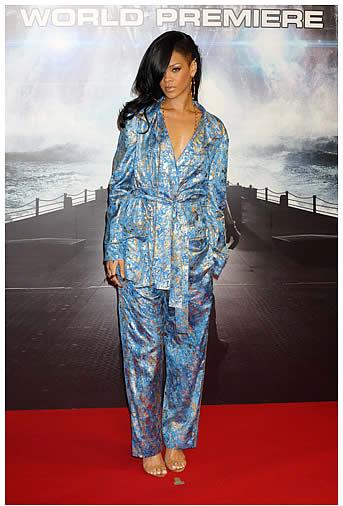 rihanna pyjama Rihanna en pyjama : que penses tu de la tendance ?