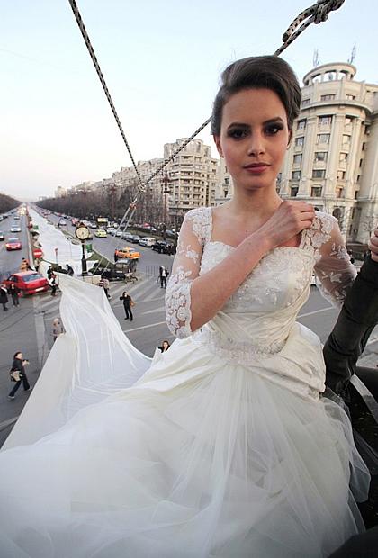 La plus longue robe de mariée du monde robe mariée la plus longue