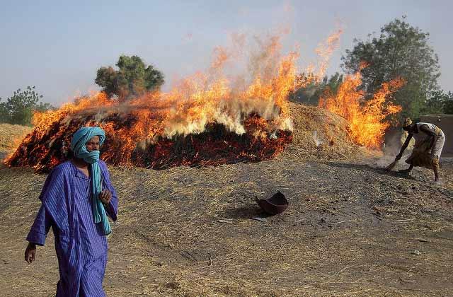 Je veux comprendre… La crise politique et humanitaire au Mali