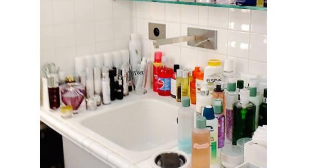 Les produits de base pour ta trousse de toilette for Produit pour salle de bain